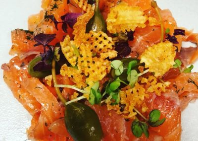 Gravlax se saumon smusauer